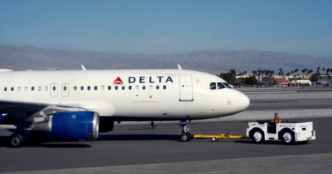 Photo courtesy of Getty Images. A Delta airplane getting ready for takeoff at Palm Springs International Airpot.